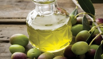 Ekstra deviško oljčno olje -  tekoče zlato slovenske Istre