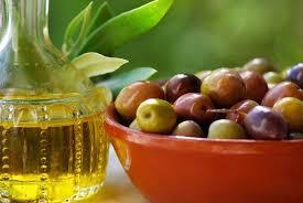 Ali veste, na kaj morate biti pozorni pri nakupu oljčnega olja?